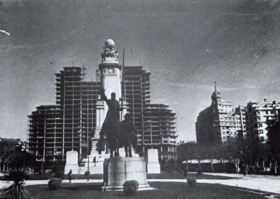 Edificio España en construcción