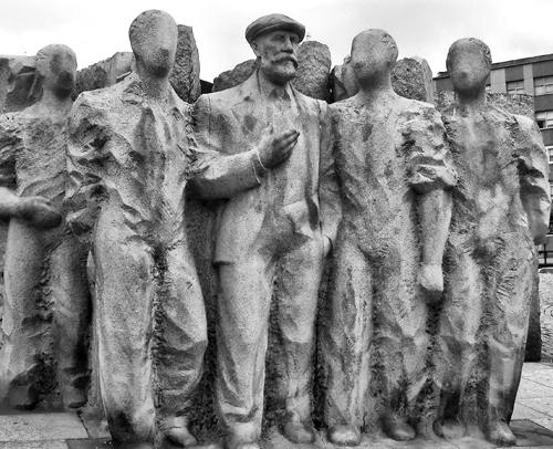 Pablo Igleisas - Monumento en La Coruña