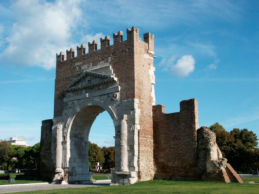 1.3---Arco-de-Augusto-en-Rímini